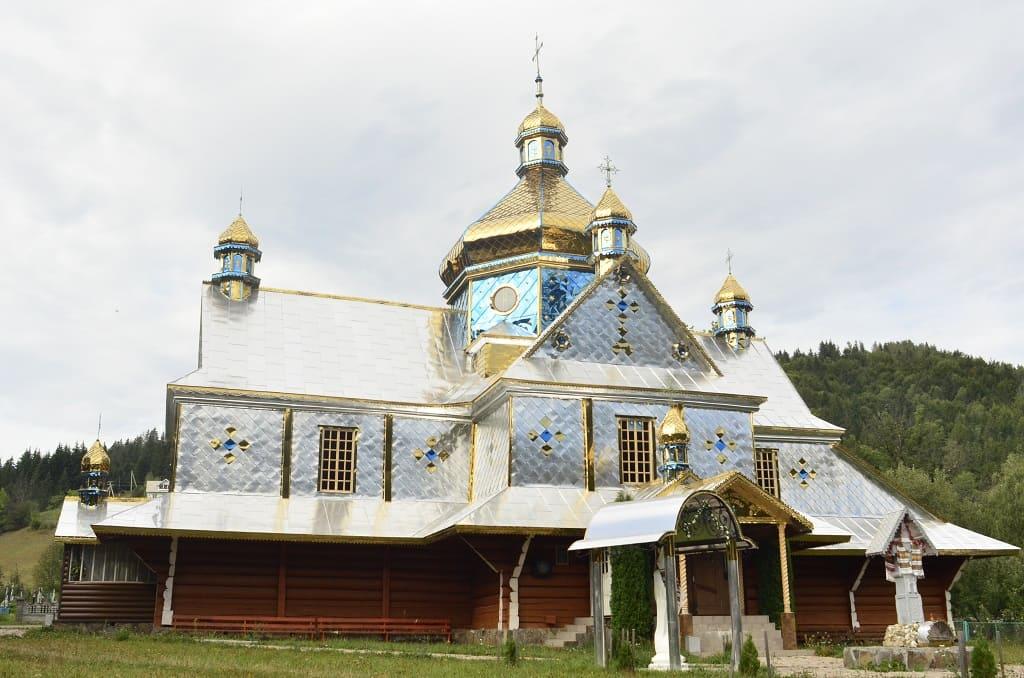 Храм Апп. Петра і Павла села Красноїлля