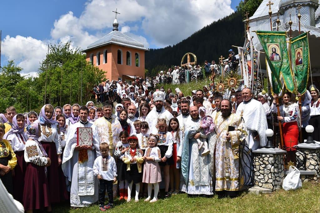Урочисте Архієрейське богослужіння з нагоди престольного свята Храму села Устеріки