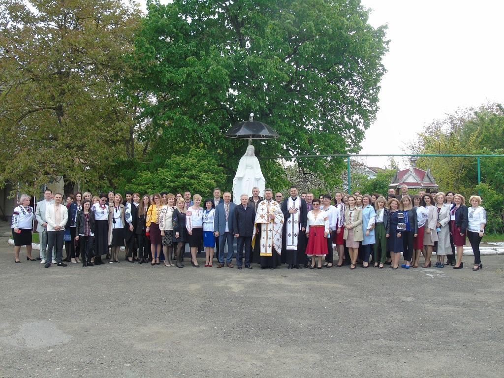 Молебень до Пресвятої Богородиці на території Коломийської РДА