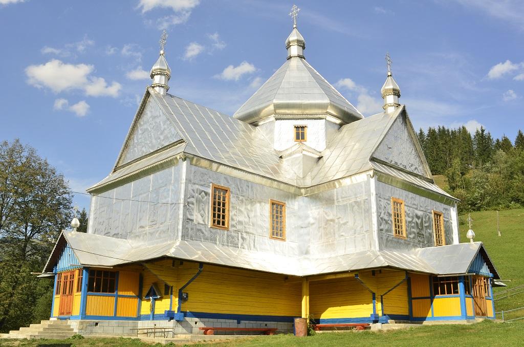 Храм Пресвятої Тройці села Верхній Ясенів
