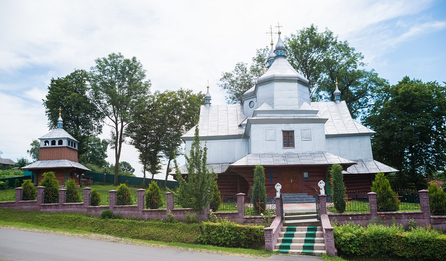 Храм Воскресіння Христового села Жукотин