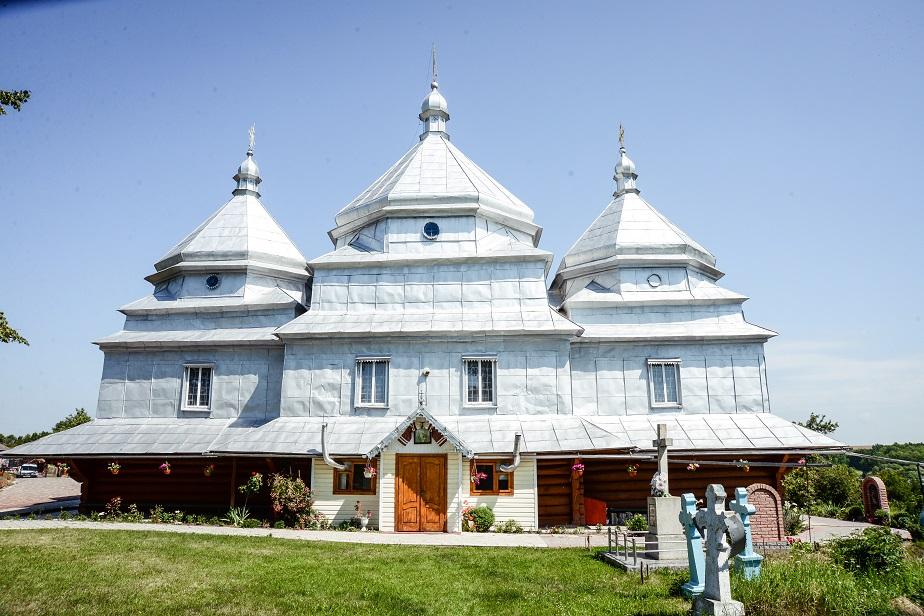 Храм Свтятителя Миколая Чудотворця села Остапківці