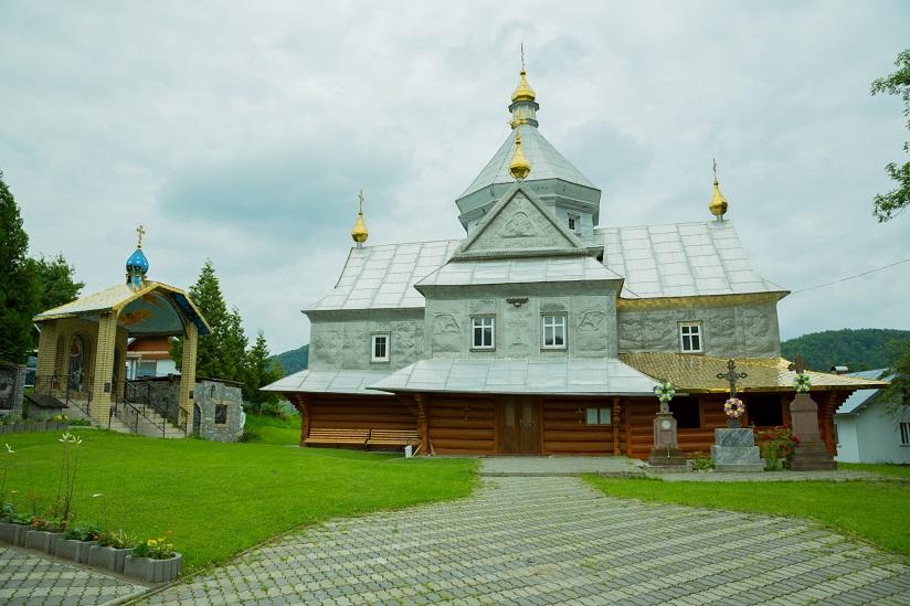 Храм Різдва Пресвятої Богородиці села Cлобода