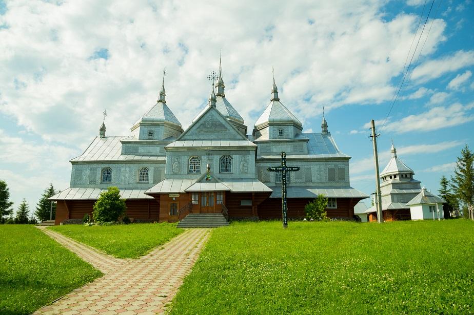 Храм Святої Параскеви Сербської села Великий Ключів