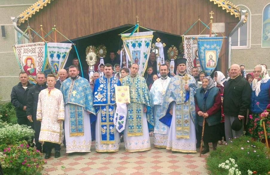 Престольне свято Храму села Рогиня