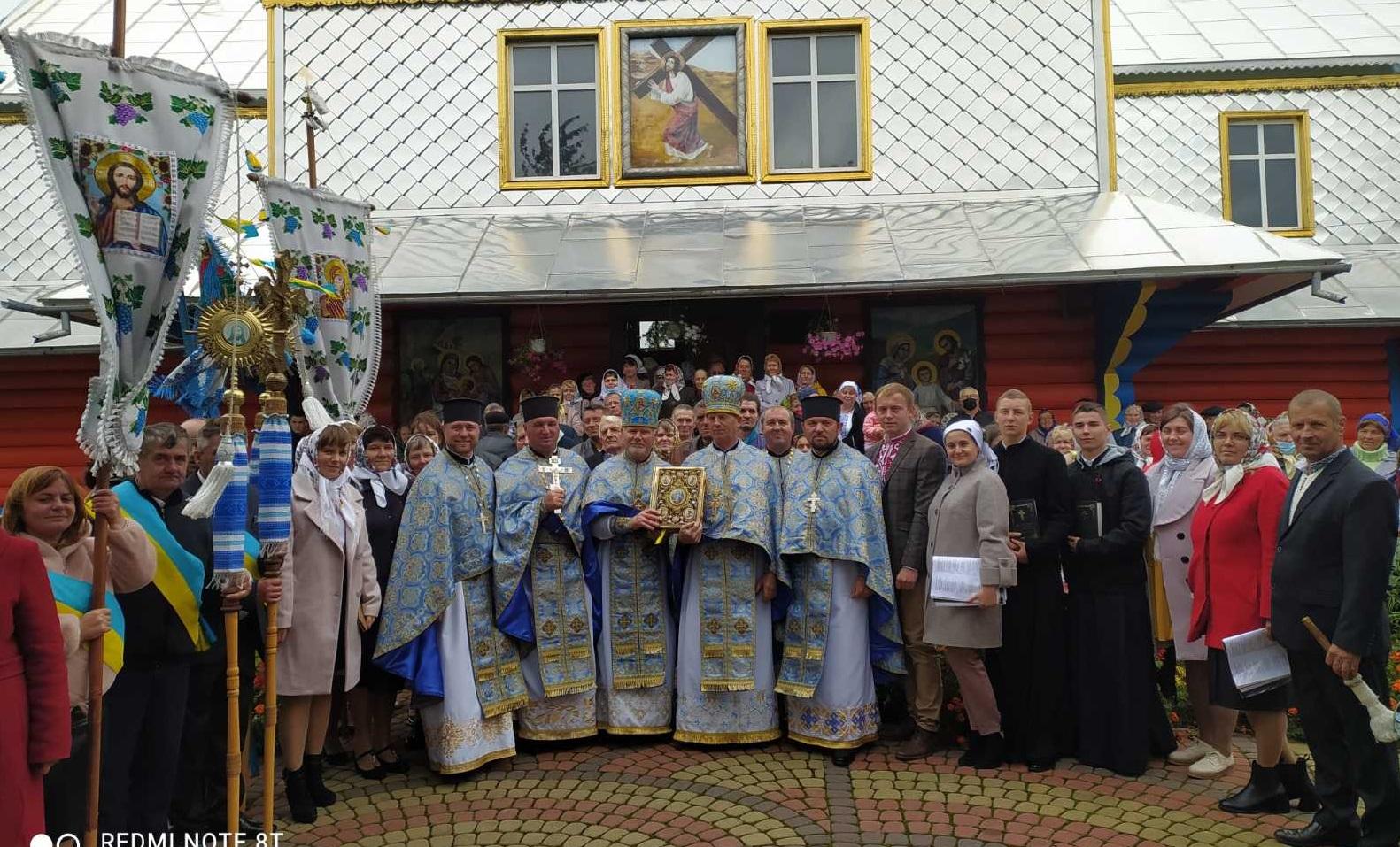 Святкове богослужіння з нагоди престольного свята Храму села Торговиця, Городенківського благочиння