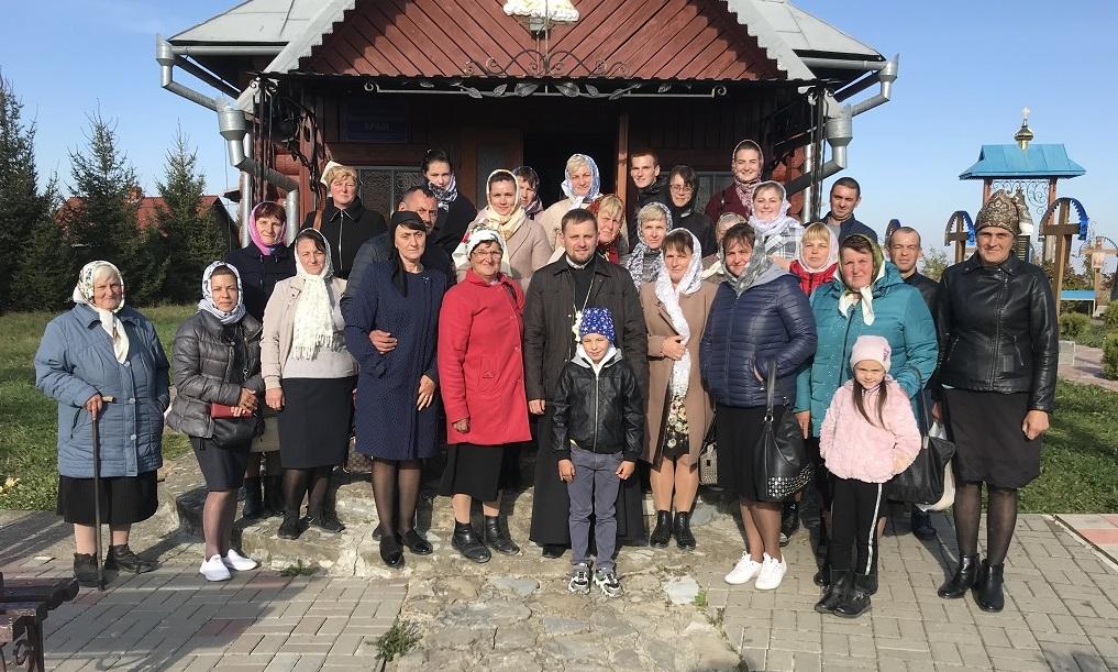 Паломництво вірних Храму села Молодятин до святинь Прикарпаття